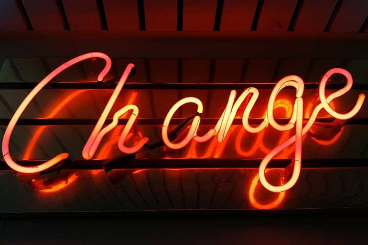 scritta change cambiare