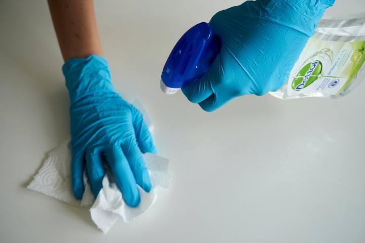 persona con DOC pulizia ossessionata dal pulire