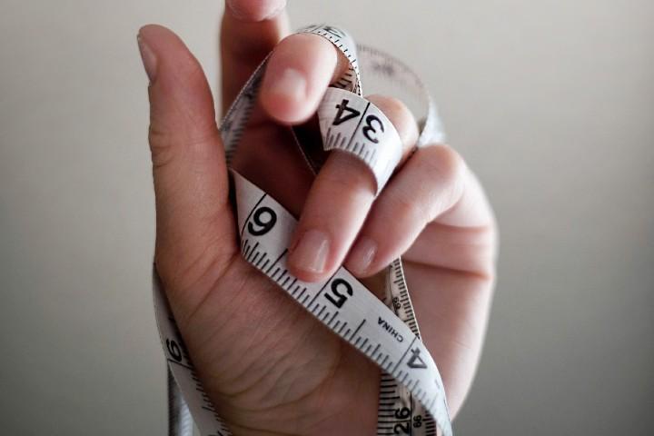 binge eating disorder porta a sensi di colpa e misurazione peso